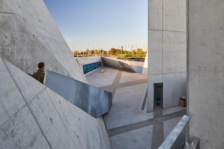 加拿大国家大屠杀纪念碑-11
