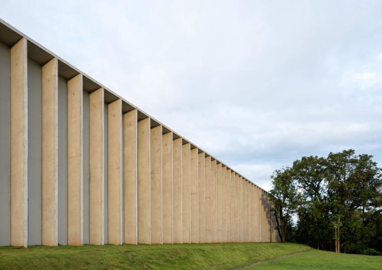 巴西安汉比莫隆比大学新建筑-5