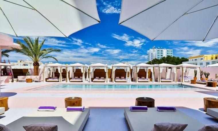 西班牙2大新生代事务所,用色彩探索度假酒店新形式