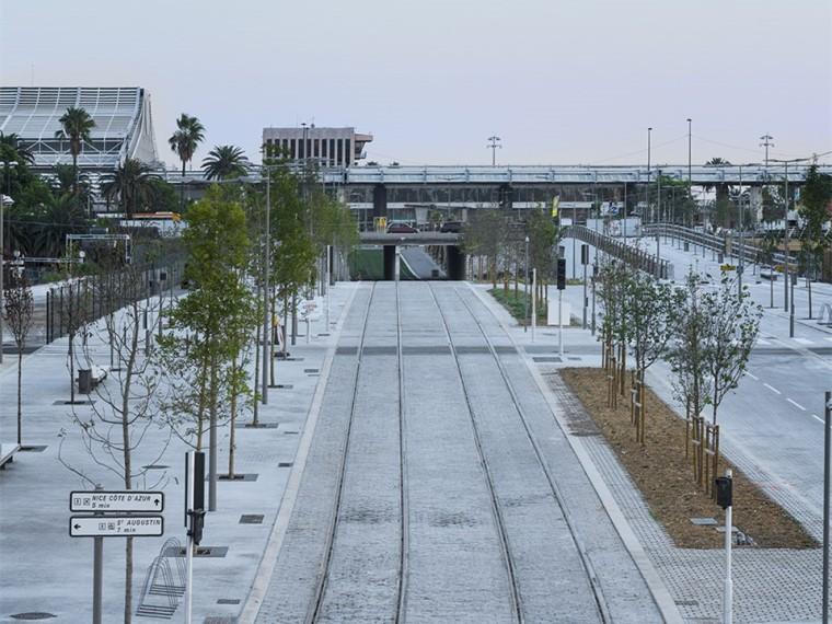 法国尼斯新综合联运枢纽中轴线