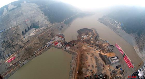 水力冲填筑堤的技术措施及解决方案