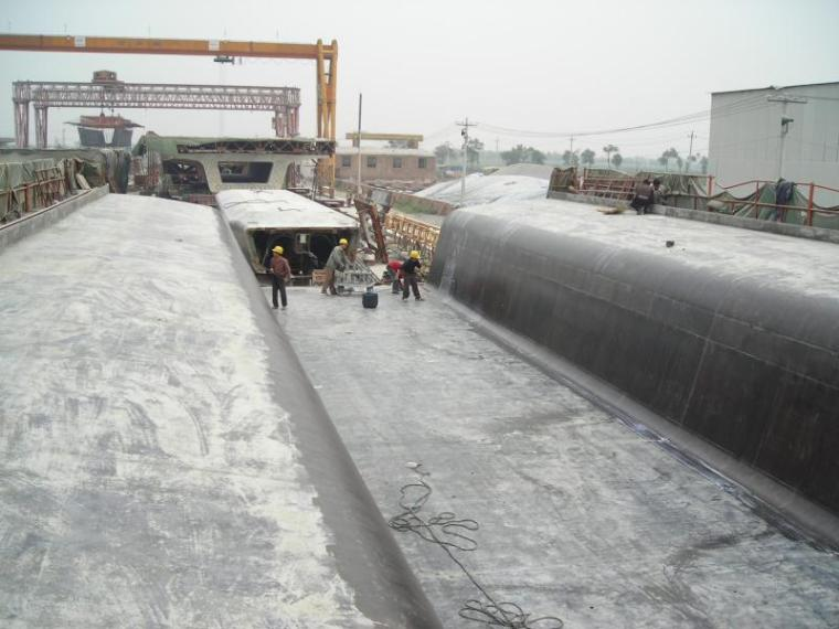 900T后张法预应力钢筋混凝土箱梁模板安装技术(附现场图片)
