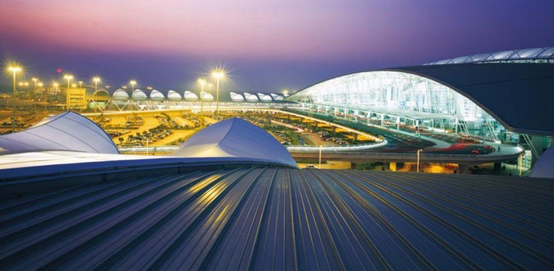 漫谈金属屋面的建筑设计应用(1)——广州新白云国际机场航站楼_9