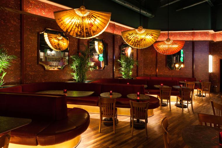 加拿大MissWong中餐厅-008-miss-wong-restaurant-by-menard-dworkind-architecture-design