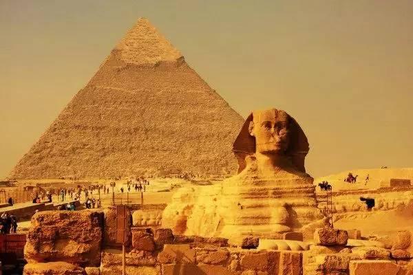 全球50个地标性建筑,认识10个就算你合格!-金字塔&狮身人面像 埃及.jpg