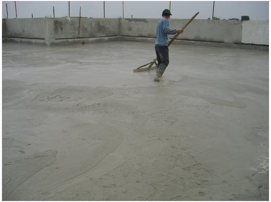 混凝土浇筑过程中的不规范行为