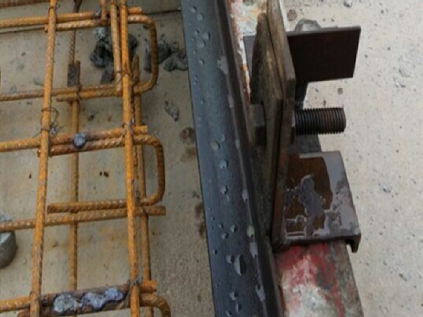 III型无砟轨道安全资料下载-某铁路CRTSⅠ型板式、双块式无砟轨道底座板施工方案(附图纸)