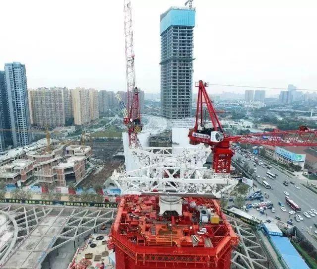 超高层住宅幕墙工程及配套设施施工方案合集_4