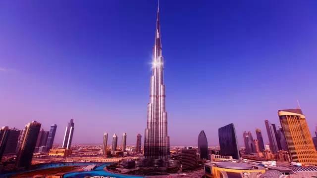 全球50个地标性建筑,认识10个就算你合格!-哈利法塔(阿联酋·迪拜).jpg