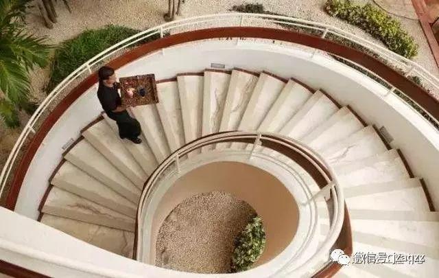 旋转楼梯木工支模方法