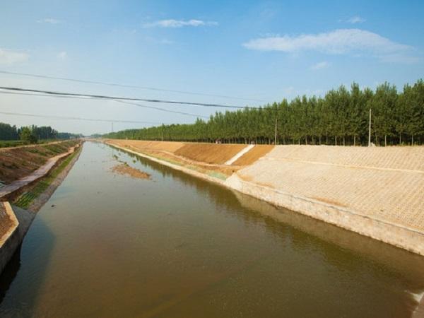 围堰技术在水利施工中的运用探讨