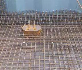波形钢腹板组合体内外预应力混凝土箱梁施工工法_7