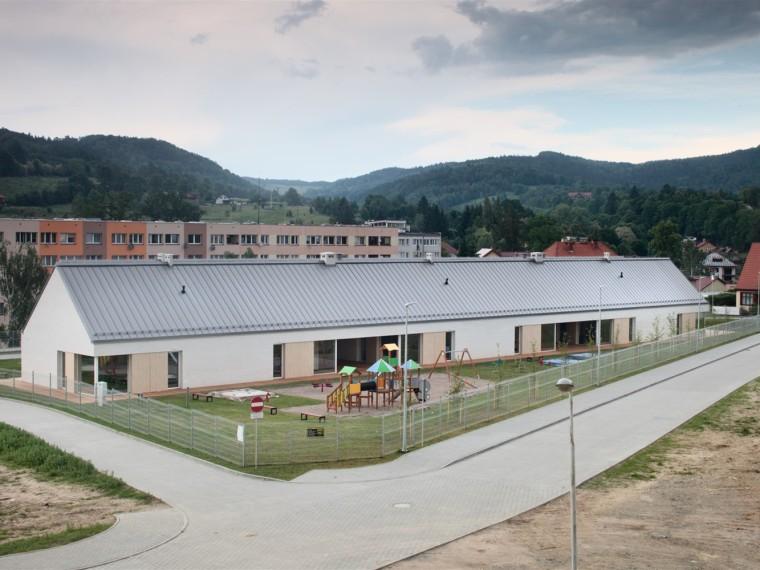 波兰第一零排放幼儿园