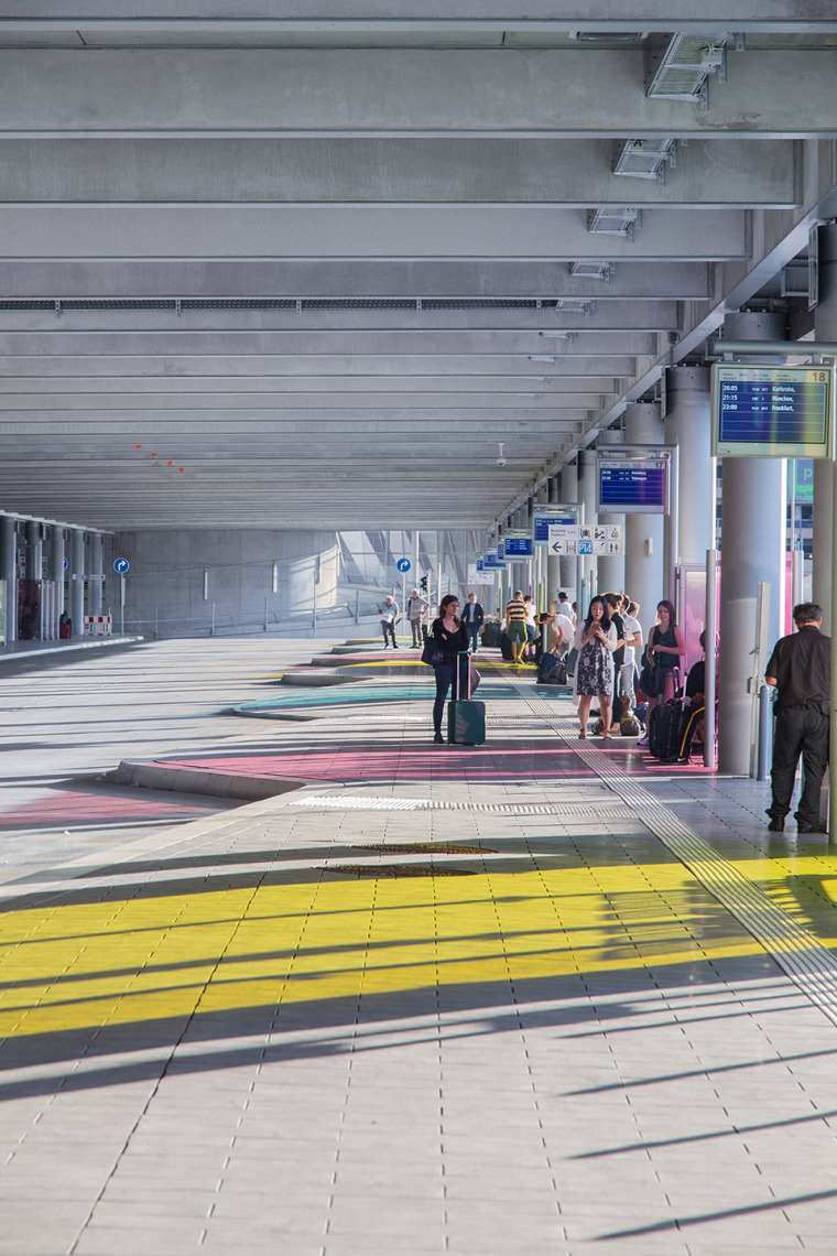 斯图加特机场公交枢纽及停车场建筑-14