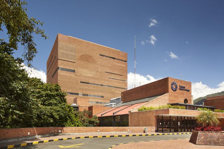 朴素红砖的圣菲德波哥大医院
