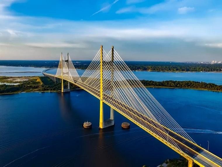 特大桥斜拉索安装施工方案