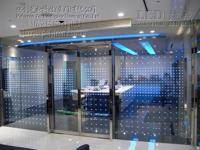 让玻璃不再古板--LED玻璃办公室工程_2