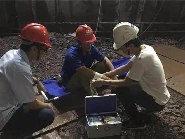广州地铁八号线开展冷冻法施工专项应急抢险演练