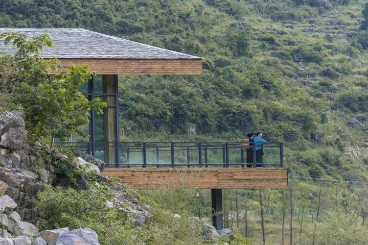 中国第一个百米崖壁上的美术馆!_26