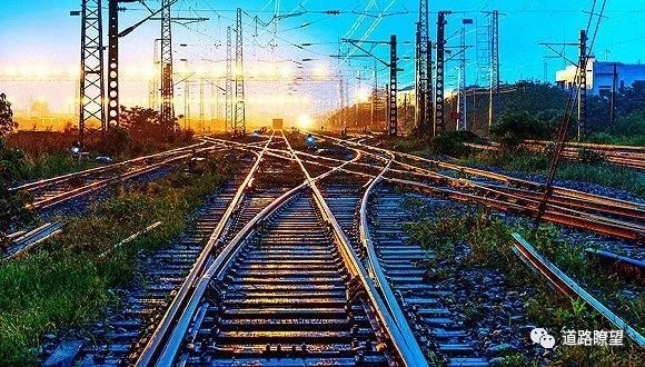 中铁总公司旗下18家铁路局齐变身集团公司