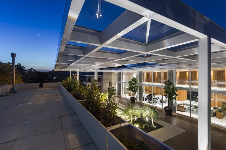结构与空间融合的JardimdoSol住宅-16