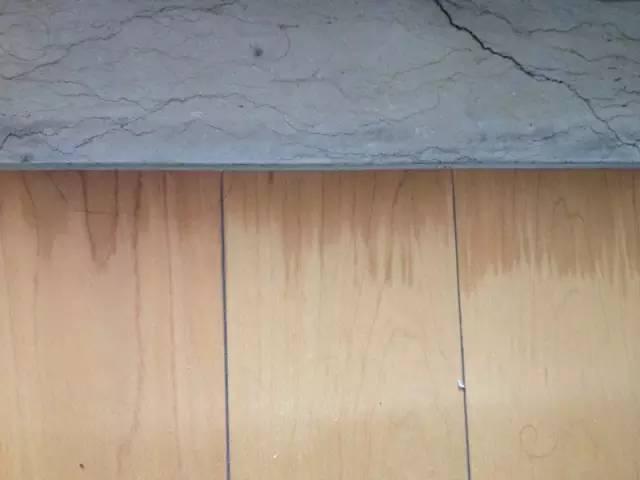 卫生间防水切勿图省事,等要撬光地板就来不及了