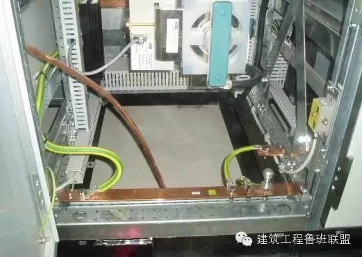 电子设备配电柜   6KV手车式开关柜   汽水分析站人工取样盘   二、电