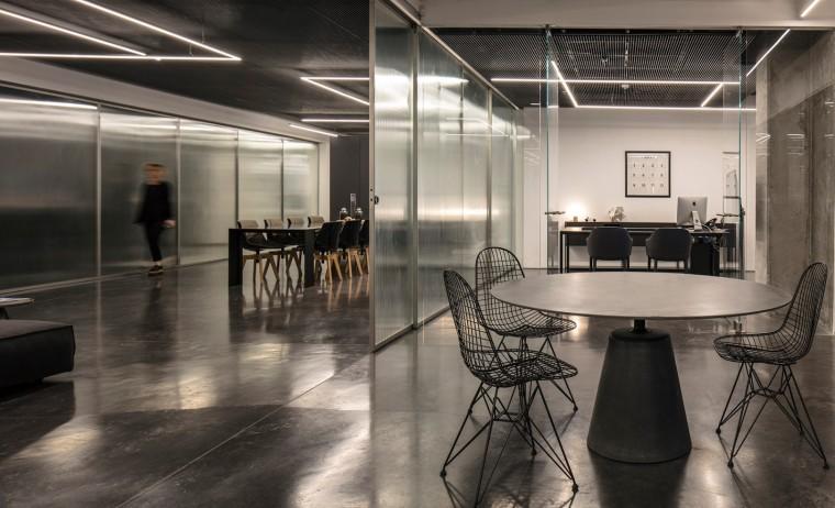 Basix灵活且动态的总部办公室-13