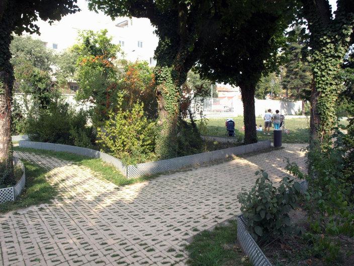 住宅区中的私人花园景观-13