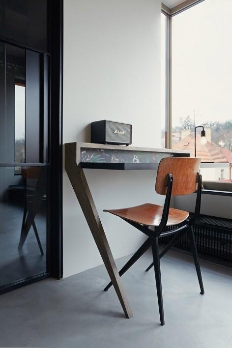 """""""非典型""""工业风-布拉格公寓设计_18"""
