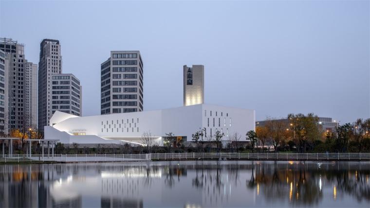 新外滩区教堂 | Ábalos+ Sentkiewicz arquitectos