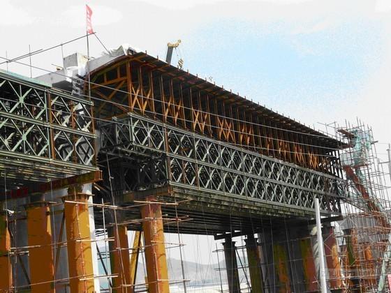 京沪高铁双层贝雷梁支架现浇32m简支梁施工技术总结