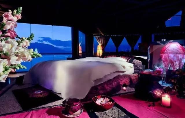 杨丽萍洱海边两处豪宅,美哭了....._18
