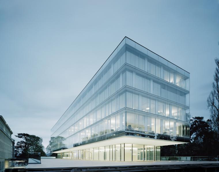 ibm斯图加特总部大楼资料下载-瑞士日内瓦世贸组织大厦