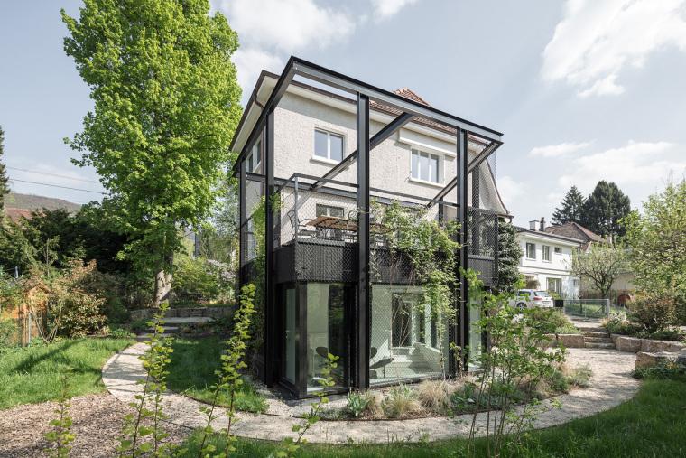瑞士花园式S小型住宅
