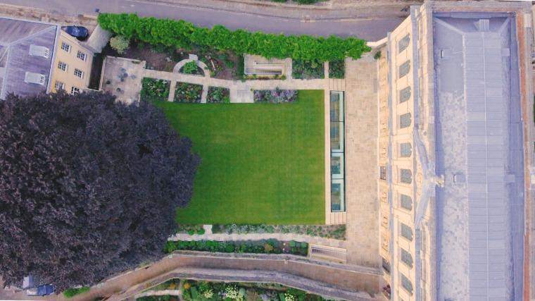 牛津大学皇后学院-4