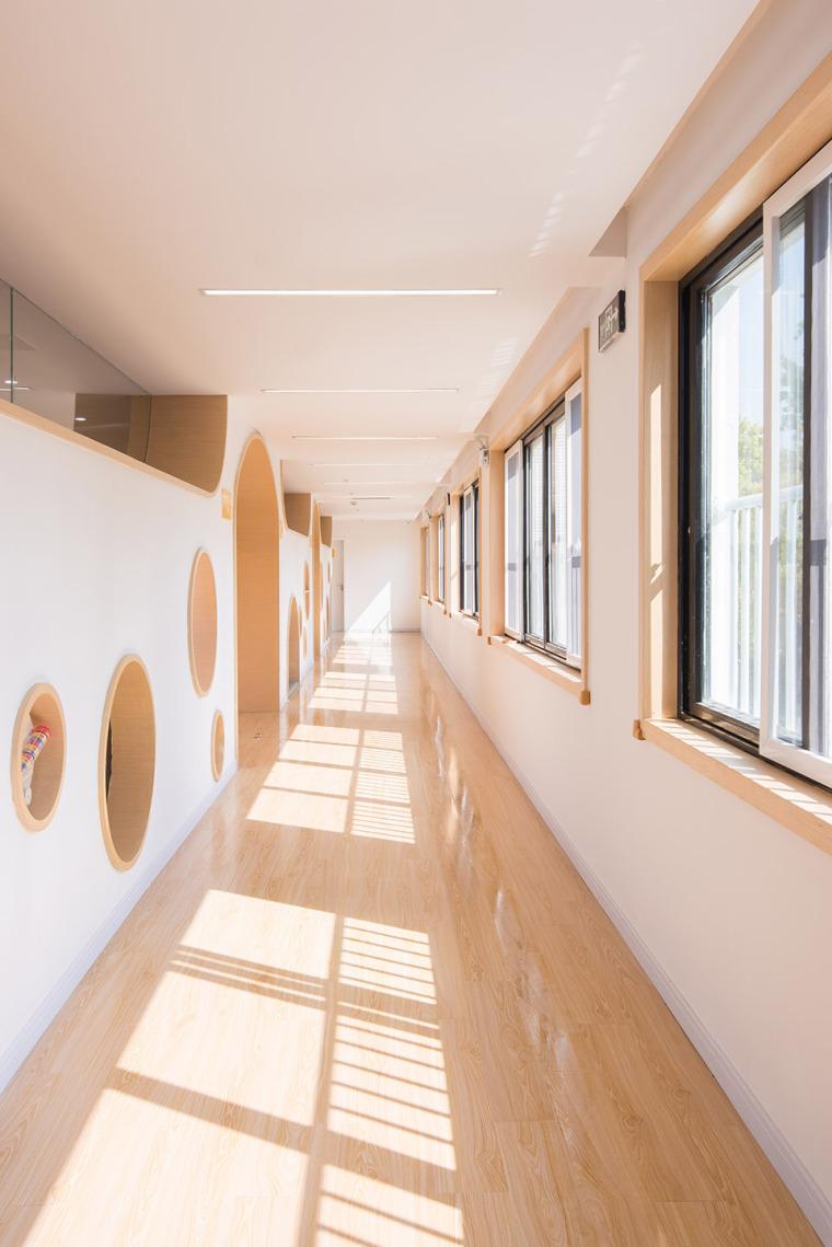 上海私人庄园改造充满张力的早教中心-012_An-Early-Education-Center-beside-Horse-Farm-Shanghai-China-by-LM-DESIGN-LAB