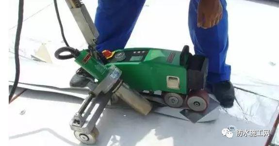 PVC防水卷材冬季施工需注意的事项_3