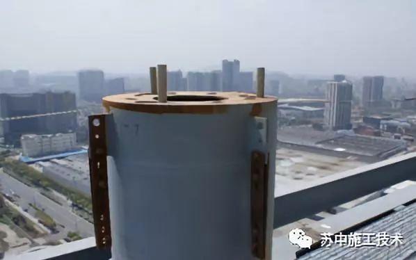 钢管柱高抛自密实混凝土辅助性振捣施工技术