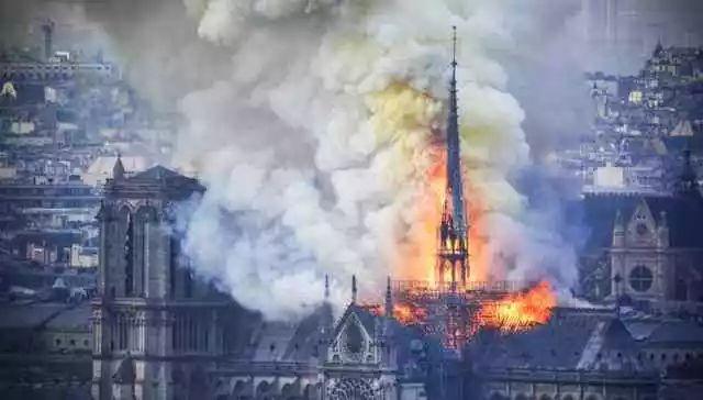 """法国·巴黎圣母院""""大火后"""",新的设计方案""""立体水晶玻璃天篷"""""""