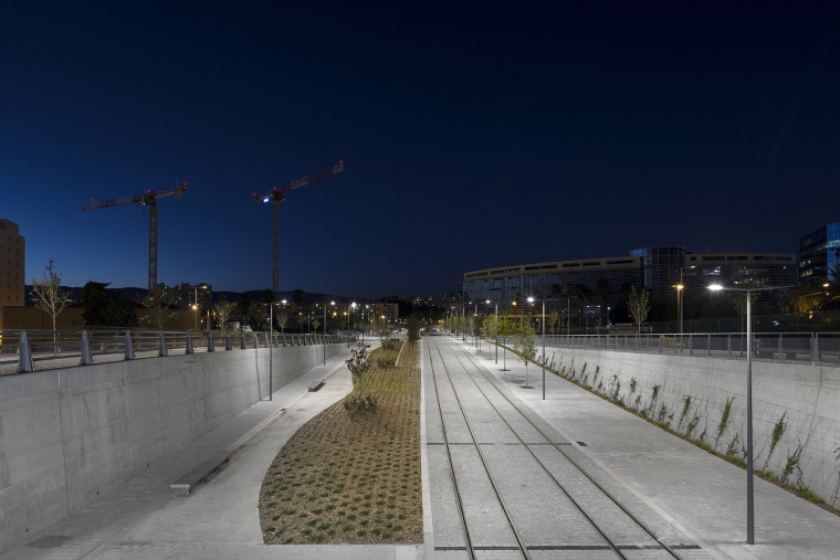 法国尼斯新综合联运枢纽中轴线-16