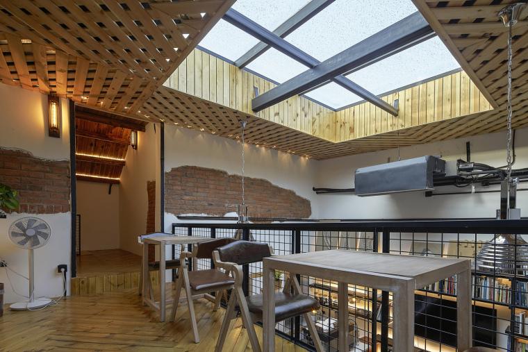 北京北海百年糖房改造-111-公共空间的二层咖啡休憩区