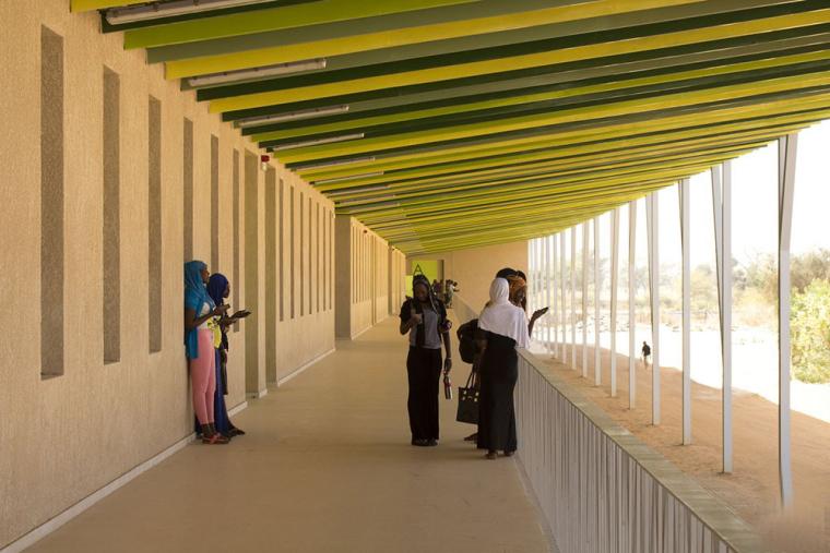 塞内加尔AliouneDiop大学教学楼-塞内加尔Alioune Diop大学教学楼实景图 (12)