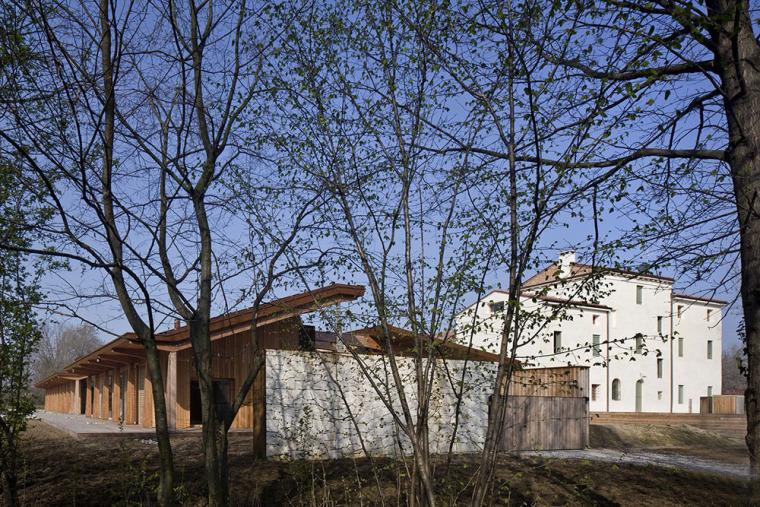 意大利浓浓的田园风格住宅