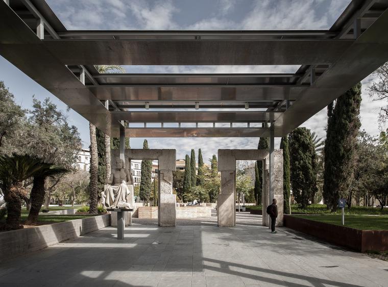 西班牙VALENCIA医院内庭院改造
