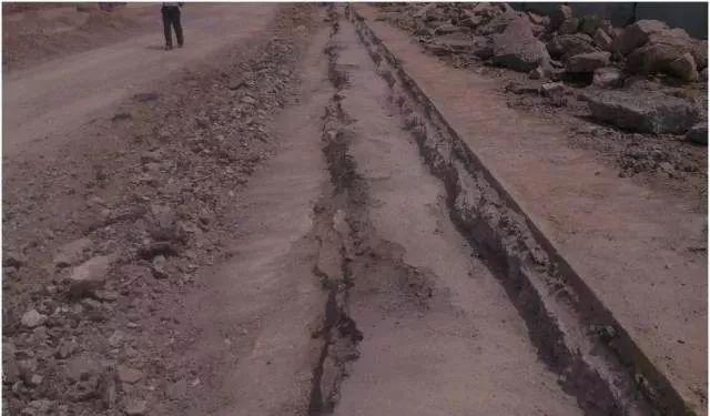市政道路工程质量通病防治手册_4