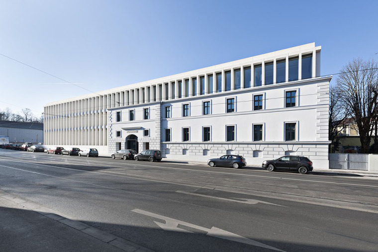 德国尺度与历史文化元素的办公大楼