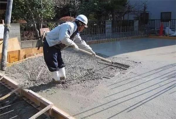 有点厉害的建筑界的神奇发明——水泥毯,浇上水就变成墙?