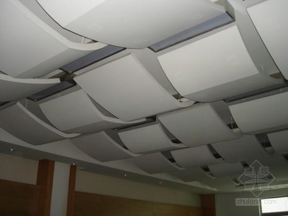 建筑装饰工程G.R.G玻璃纤维增强石膏板吊顶施工工法