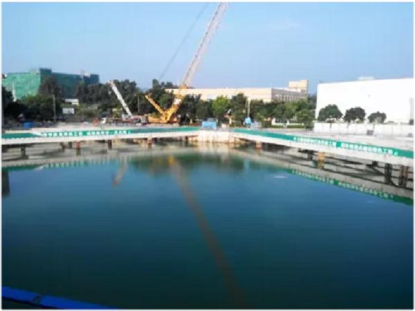 静压植桩机在钢板桩止水帷幕施工中的应用